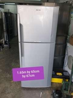 🚚 Used hitachi 250 litres small fridge with free delivery