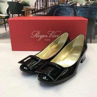 Size 35 大特價 Roger Vivier Flat Shoes (Brand New)