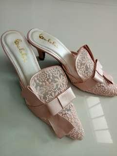sepatu brukat pink
