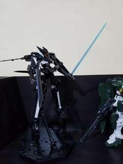 HG TV 1/100 over flag 上色完成品,包括支架
