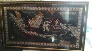 Lukisan batik peta indonesia