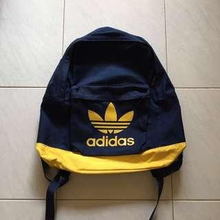 🚚 Adidas Originals Backpack