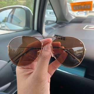FREE POSTAGE : Sunglasses