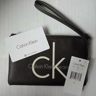全新Ck經典皮革手拿包/零錢包 Calvin Klein