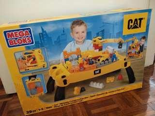 Mega Bloks CAT - Activity table + trucks