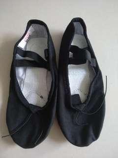Jazz dance / ballet shoes