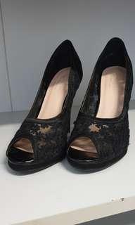 🚚 #dressforsucess30 Black lacs Heels