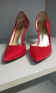 #dressforsucess30 Red Heels