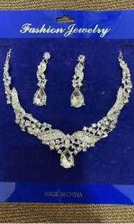 婚後物資 仿鑽石頸鏈連耳環