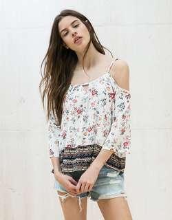 🚚 bershka cold off shoulder floral tribal top