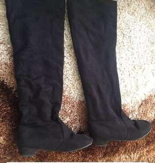 Boots beludru se lutut