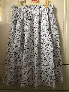 Lowrys farm 白色碎花裙 Floral Skirt