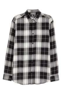 🚚 h&m black and white flannel
