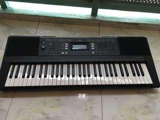 Yamaha Digital Keyboard PSR-E343