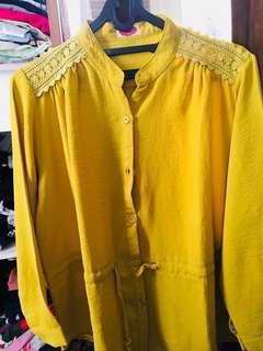 Blouse wanita warna mustard