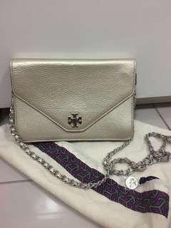 Tory Burch sling bag. 100% authentic, used for 3 times, 95% perfect condition