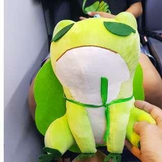 旅行青蛙紀念玩偶