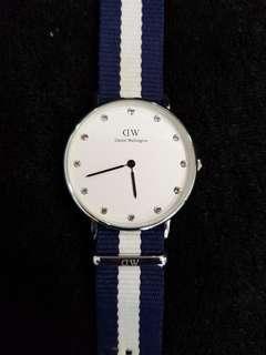 🚚 DW Women's Watch