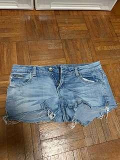 🚚 Pull & Bear Denim Shorts