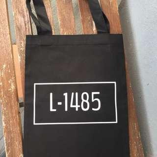 EXO L-1485 Totebag