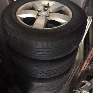 Hyundai Santafe OEM rims and Car Tyres 235/65/17