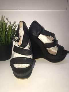KAREN & CHLOE wedges heels