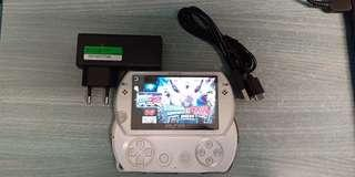 Psp go white with cover 14gb