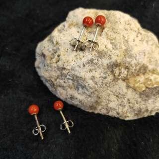 ⭐️Ear stud (Coral*红珊瑚)