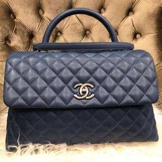 🚚 Blue Chanel Coco Handle Bag Medium Caviar