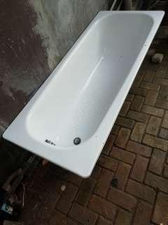 Murah nih - Bathub TOTO