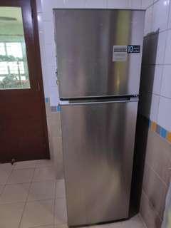 🚚 2 door refrigerator