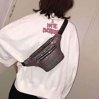 🚚 Trap girl💜💜💜💜💜 fanny pack