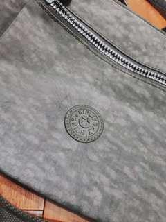 🚚 Kipling灰色包包
