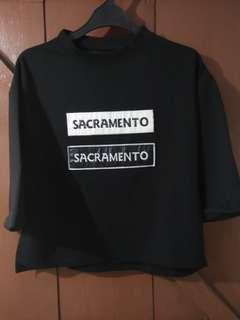 Baju semi crop hitam