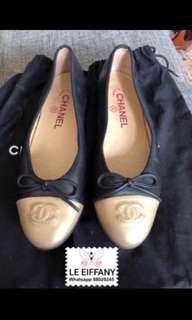 🚚 Authentic Chanel flats