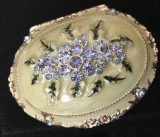 全新復古閃石飾物盒,連絨盒new elegant shining jewel case