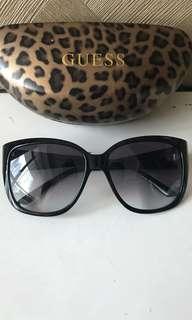 Kacamata Guess Original