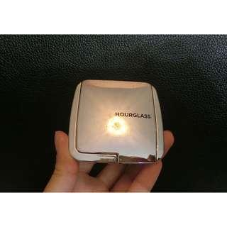 Beautiful Highlighter by hourglass