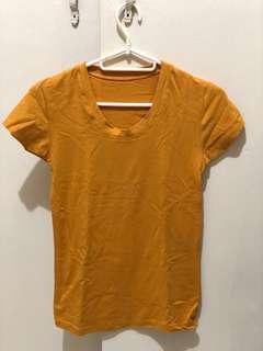 Mustard tshirt