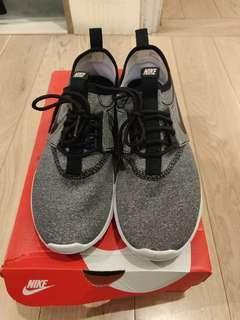 98% new Nike juvenate size US 8