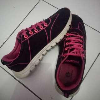 Sepatu Phoenix Pink
