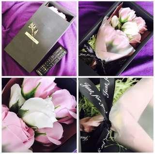 玫瑰花永生花盒裝 肥皂沐浴花box of rose, long lasting flowers , petal made by soap, for bath  romance birthday