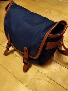 Camera / Sling / Messenger Bag