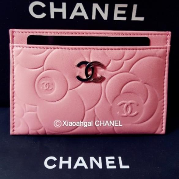 ✔RESERVED in Instalments✔🔴$1 BID if u r follower!🔴$750 Non Followers Authentic limited seasonal CHANEL Chanel camellia money card holder