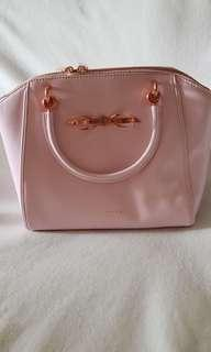 🚚 Ted Baker Bag