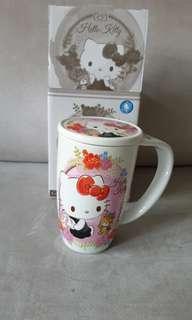 Hello Kitty Ceramic Mug with Lid