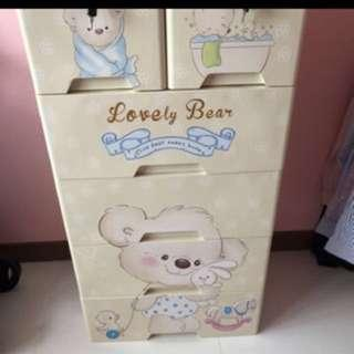 Bear drawer cabinet