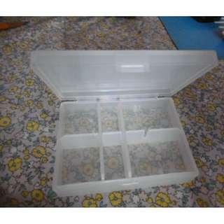 膠藥盒 =