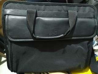 Laptop bag (Price negotiable)