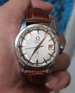 Titus 77 jewels